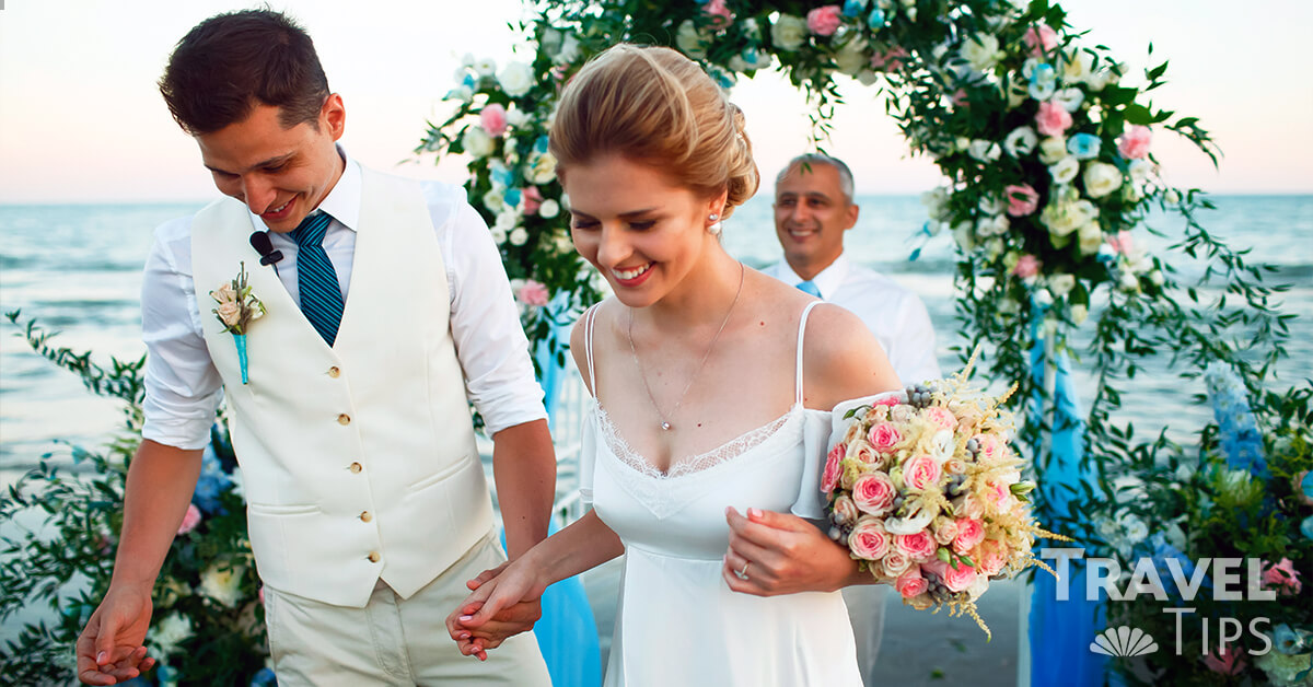 Useful tips for brides getting married on the beach
