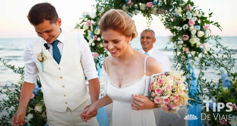 los mejores consejos para novias que se casan en la playa