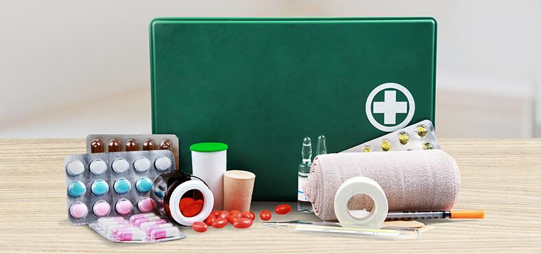 Kit básico de primeros auxilios