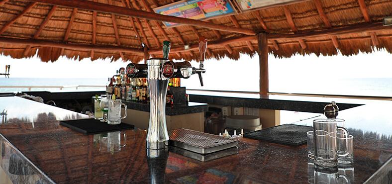 Bar Las Conchas en Crown Paradise Club Cancún