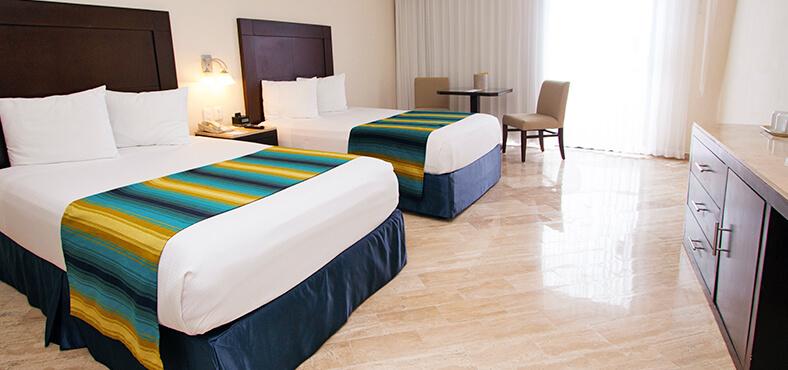 Elige el mejor hospedaje en nuestro hotel en Cancún todo incluido Crown Paradise Club.